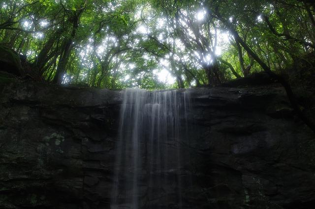 神掛けの滝